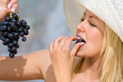 comer uvas rejuvenece