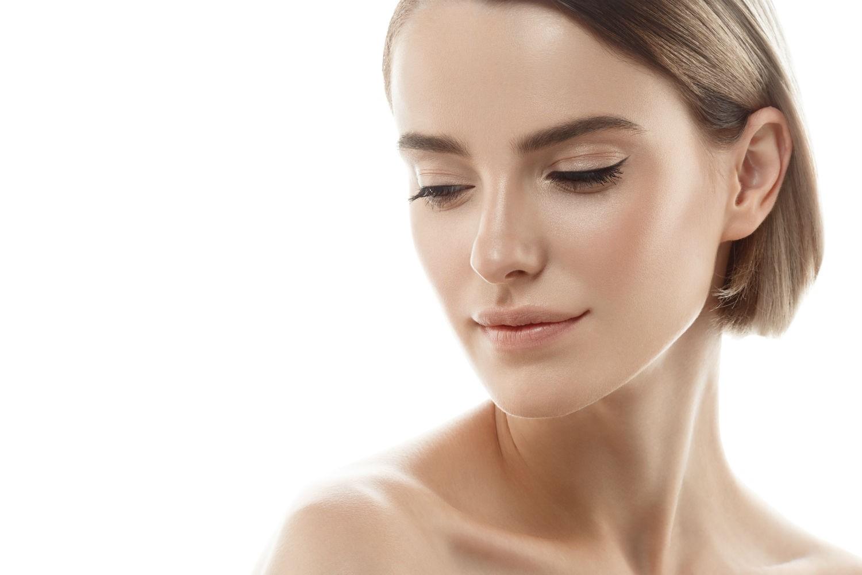 peeling facial para lucir una piel más juvenil