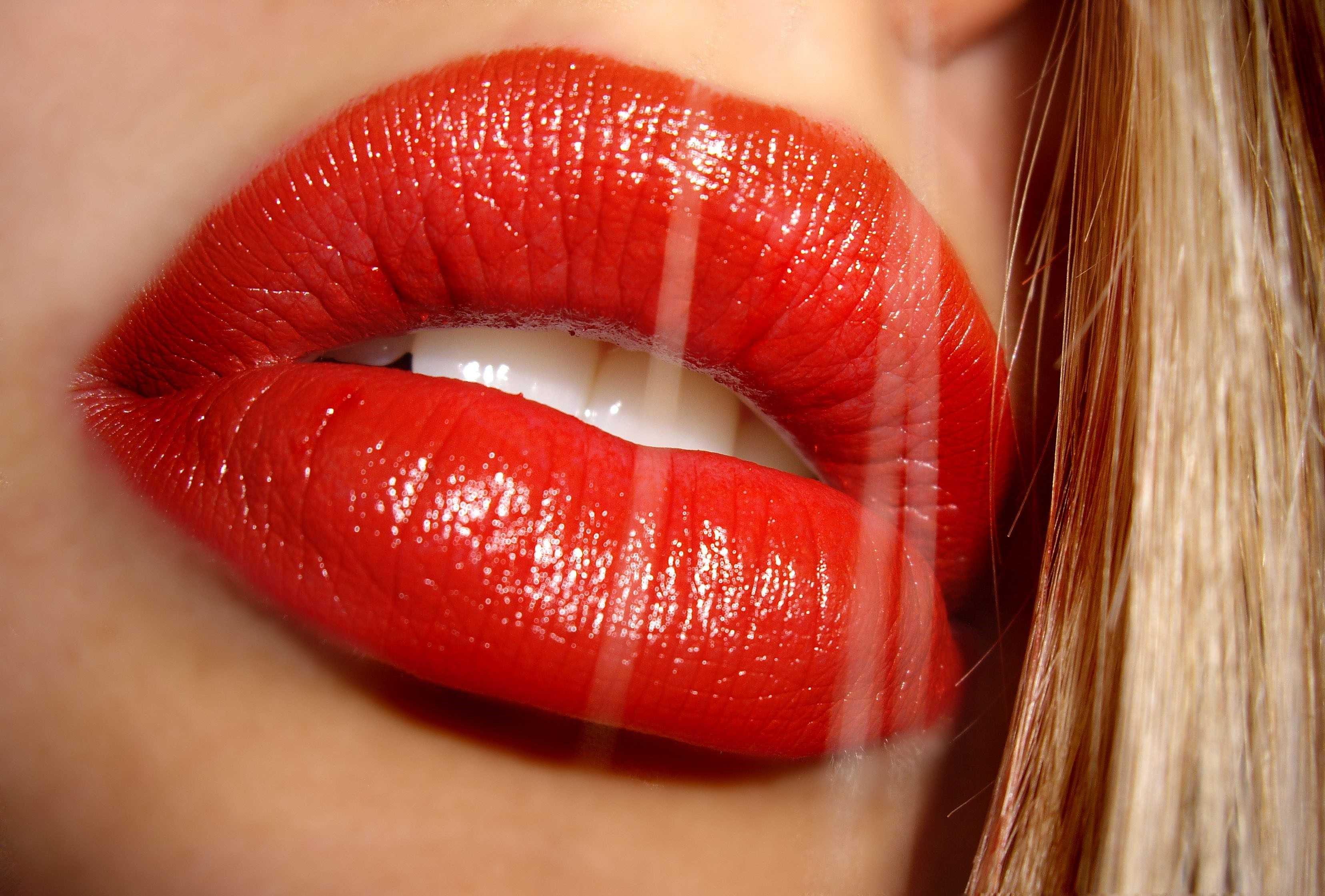 como tener unos labios carnosos
